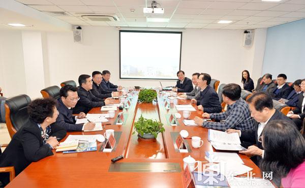 张庆伟韩长赋到中国农科院哈尔滨兽医研究所调研