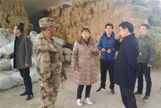 饲料所反刍动物饲料创新团队走进青藏高原开展科技扶贫