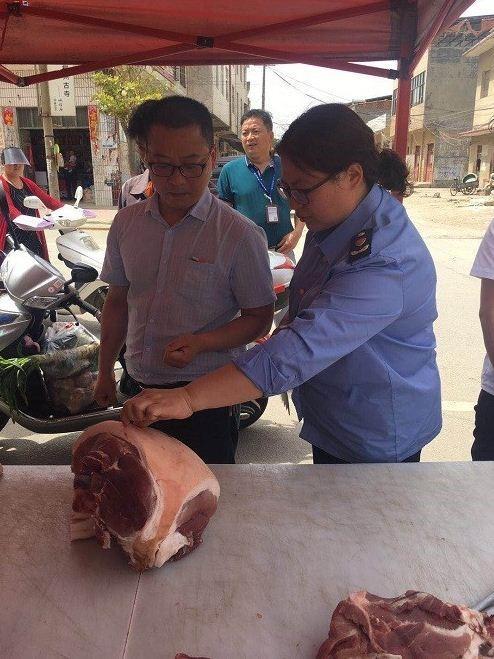 河南唐河县开展猪肉市场联合执法专项整治行动