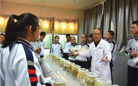 中国农科院兰州兽医所 科普开放日探秘兽医微生物的世界
